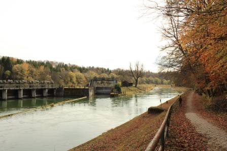 Dam system on the Isar near Munich, 1
